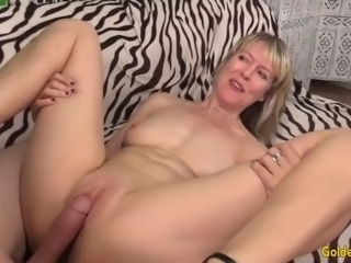 Blonde british gilf jamie foster has her shaved pussy plowed