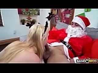 Ganhei Uma Gozada na Boca do Papai Noel  ( Aumente Seu P&ecirc_nis 11...