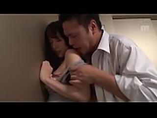 [ Phim sex hay ] Si&ecirc_u Phẩm bị kẹt trong thang m&aacute_y...