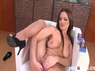 Big titted pornstar Walleria pleasures her pussy deeply with her vibrating...