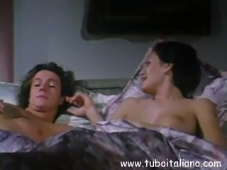 Italian porn star Mora Ita goes for some hot pussy licking with stud