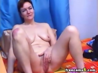 Busty milf masturbating webcam