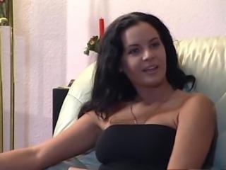 Tutto Su Quella Troia di Mia Moglie - scene 02 free