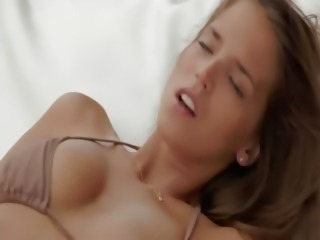 True beauty Silvie masturbate snatch