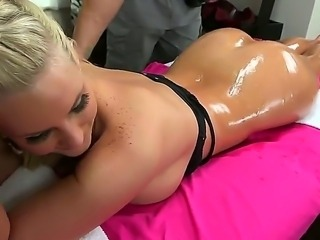 Oily massage is a treat for this juicy ass, Phoenix Marie enjoying her time