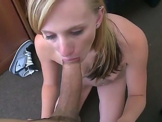 Autumns Lee cock-sucking skills is the most agonizing thing about her...