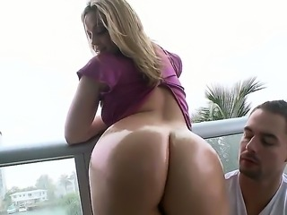 Alexis Texas teases with her amazingly hot ass making dude to get horny