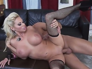Keiran Lee scores seductive milf Nikita Von James, and she shows him a...