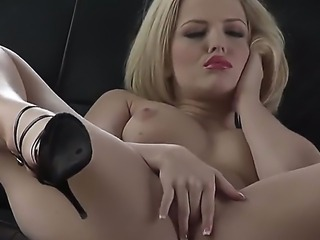 Ravishing blonde babe Alexis Texas streams