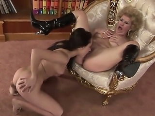 Young Alesya and old Effie are the best couple. They suit each other and want...