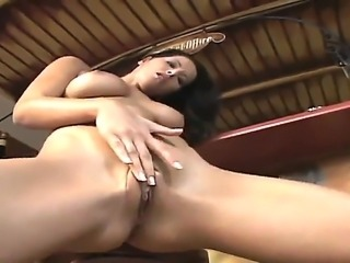 Lickerous brunette Angel Dark doesn t