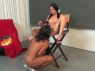 Milf Persia Monir is showing Bonnie Skye the wild pleasures of pussy licking...