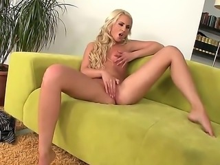 Horny slut Blond Cat likes to ride and undulate in naughty hardcore cock riding