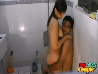 indian amateur couple sonia and sunny hardcore sex in shower free