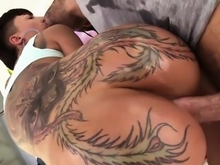 Big Booty Tatted Hoe Bella Bellz Enjoys Anal Sex