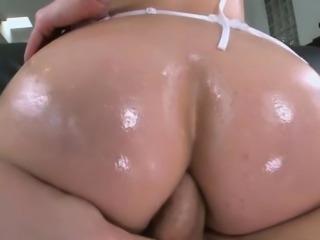 Sexy sweet chick Bella Reese fucking
