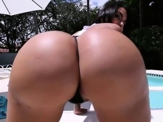 Big booty and big boobs of brunette Lela Star