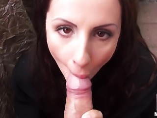 Kerry Raven is giving a blow job and fucking