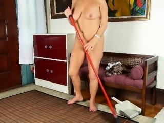 Cristine's old and hairy pussy needs to get off