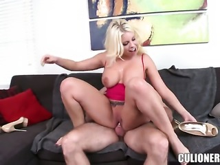 Britney Amber takes cumshot of her lifetime
