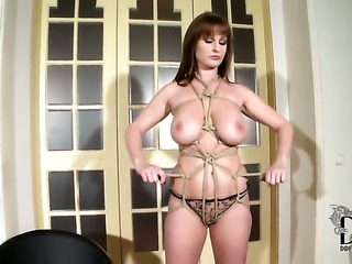 Pretty pornstar LaTaya Roxx with gigantic tits and smooth cunt has a body of...