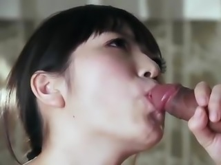 YOUNG JAPANESE SEXY BLOW JOB