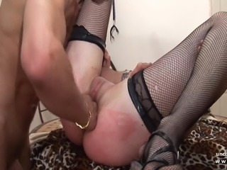 French squirt Cindy Picardie hard banged in a bdsm game
