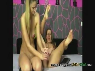 cams12.xyz due lesbiche bianchi spruzzare a vicenda
