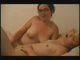 amateur lesbian having fun with my girlfriend