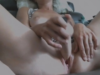 Great dildo pussy play