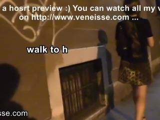 Veneisse outdoor without panties plugged inside fisting