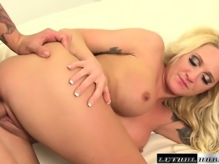 Kinky blonde vamp Alexis Malone tickles her lover's ass with her tongue and...