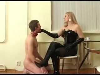 Russian Mistress strapon fucks slave (I really want her)