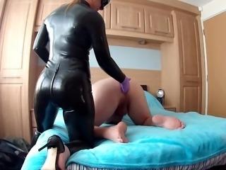 Huge Strapon pegging