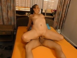 Deutschland Report - German newbie in hot pickup and fuck