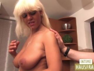 Hausfrau Jenni nur fuer euch