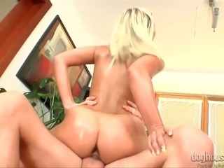 Zealous PAWG lady creams on fat white dick while riding it