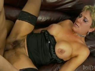 Nasty mature lady Chloe Wilder fucks a horny stud Alex Gonz