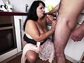 Warm goddess with gigantic boobs enjoys guys