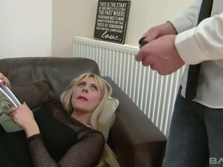 Blindfolded MILF Brittany Bardot fucked brutally in a doggy position