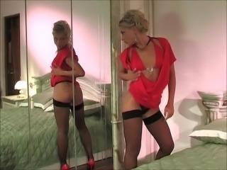 Valeria anal