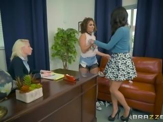 peyton banks seduces innocent sophia