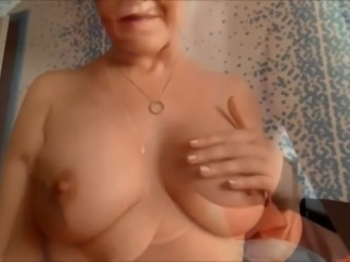 Nerdy lady with saggy ugly tits was ready to exposed her quite fuckable slit