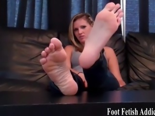 You are a total foot freak arent you