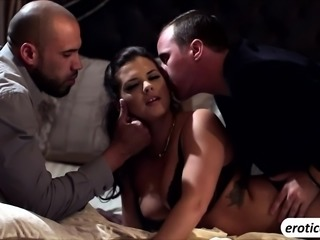 Blonde babe Keisha Grey wild threesome