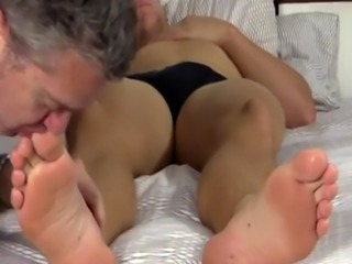Emo gay porn free vids Sleepy Kenny Gets Foot Worshiped