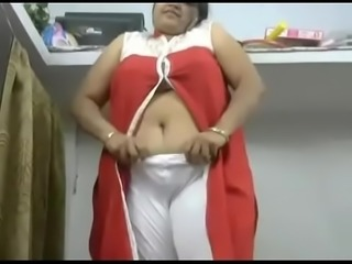 Indian Aunti Show Boobs front on cam