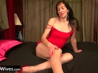 Older mature granny with well preserved body and unfulfilled desire