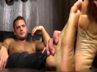 Gays feet cum soaked first time Tyrell's Sexy Feet Worshiped