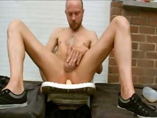 I like to piss in my face while playing with a dildo in my asshole